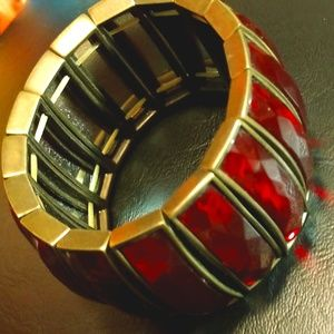"""Jewelry - Faceted ruby & gold tone 9"""" bracelet"""
